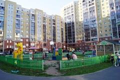 Чудеса во дворах: омская Швейцария и русские сказки