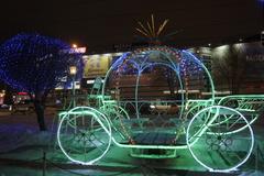 Праздник к нам приходит: как омские торговые центры встречают Новый год