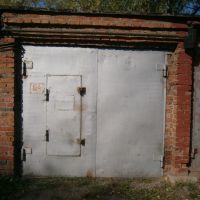 Капитальный гараж,  ул. 10 лет Октября, 178-фото1