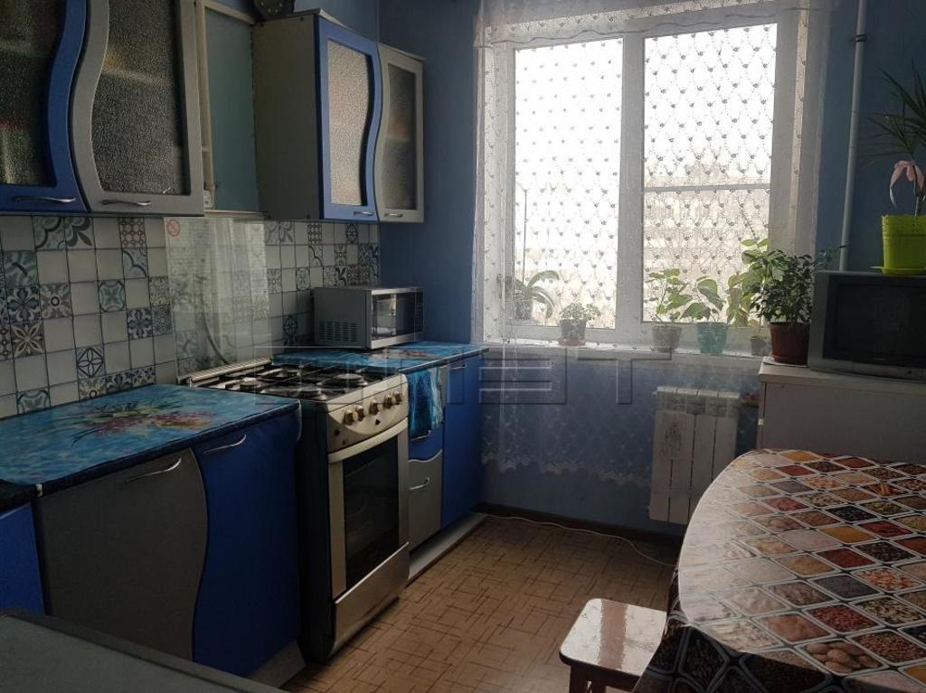 Продается трехкомнатная квартира за 5 100 000 рублей. Казань, Московский, ул. Серова, 14.