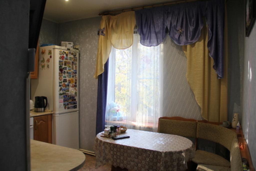 Продается трехкомнатная квартира за 3 500 000 рублей. Коломна, ул. 2-ой км Малинского шоссе, 12.
