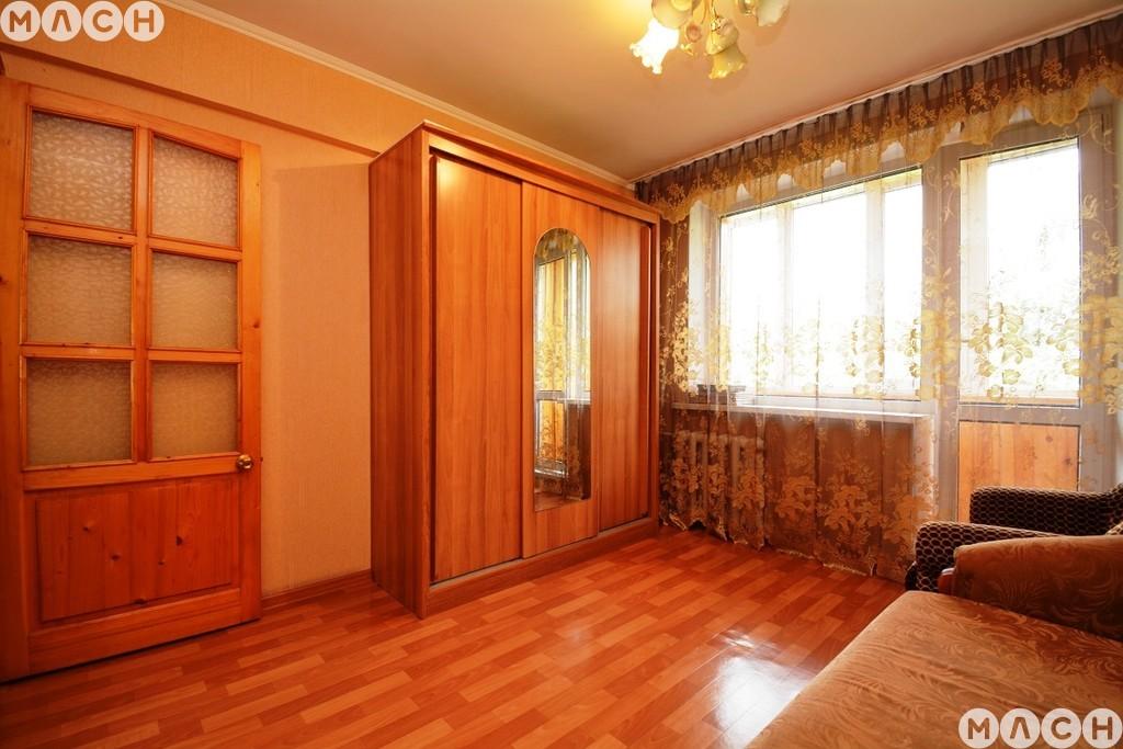 Продается трехкомнатная квартира за 2 500 000 рублей. Омск, Ленинский, ул. 1-я Станционная, 9/1.