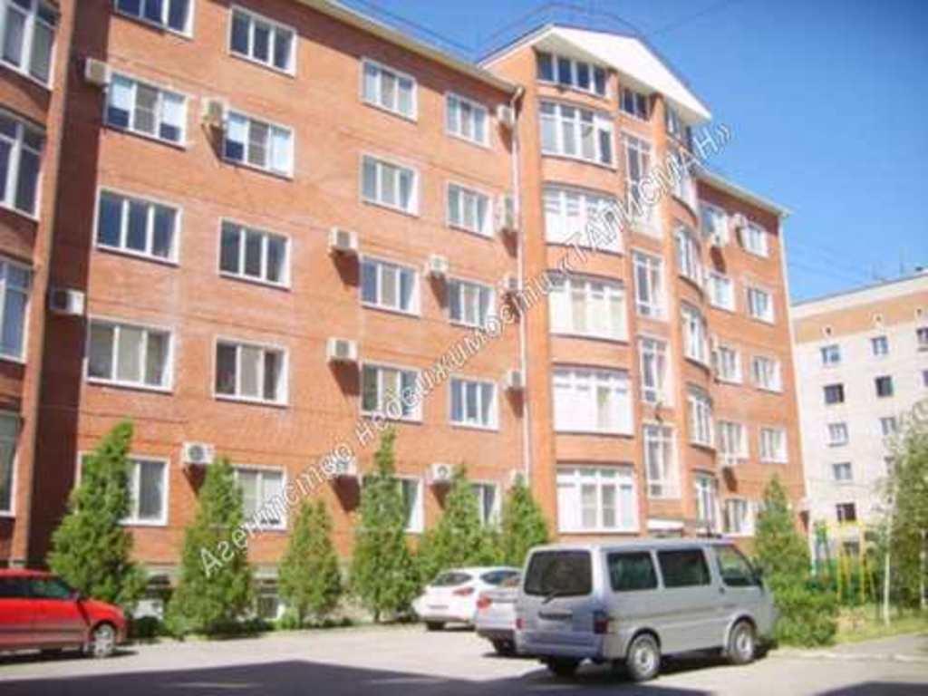 Продается двухкомнатная квартира за 3 900 000 рублей. Таганрог, ул. Литейная, 40-Б.