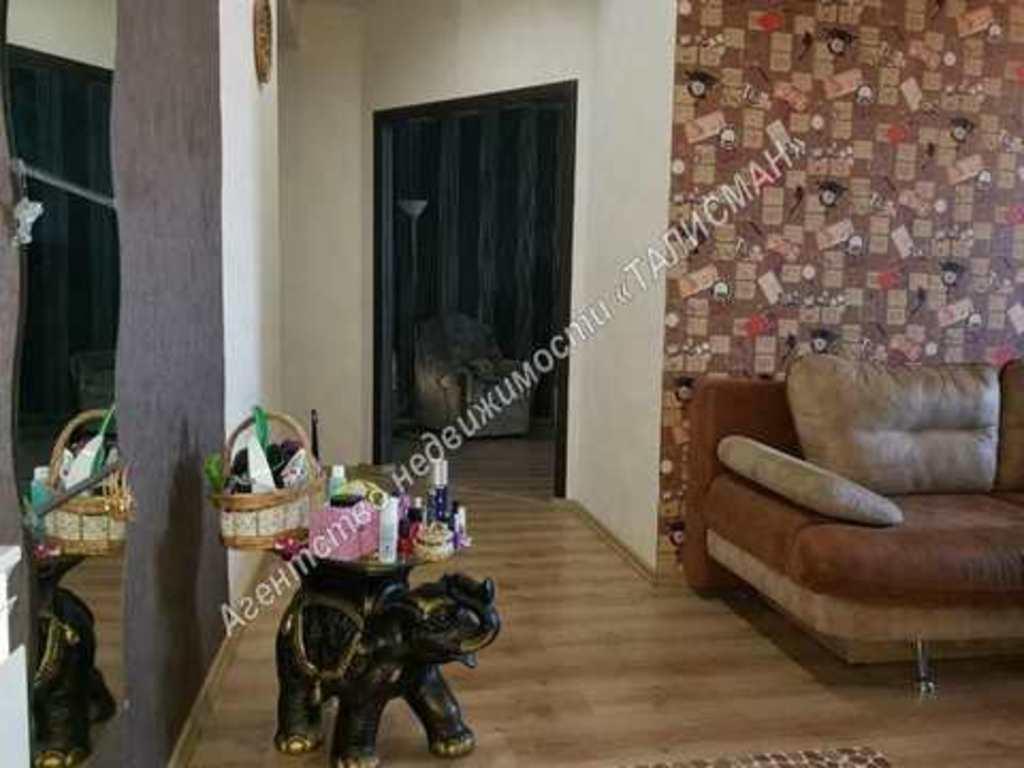 Продается двухкомнатная квартира за 3 000 000 рублей. Таганрог, ул. Сергея Шило, 212.
