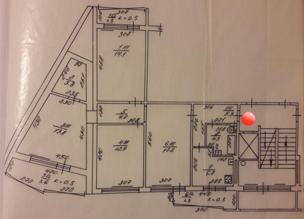 Продается четырехкомнатная квартира за 4 600 000 рублей. Калининград, Московский, ул. Багратиона, 1-13.
