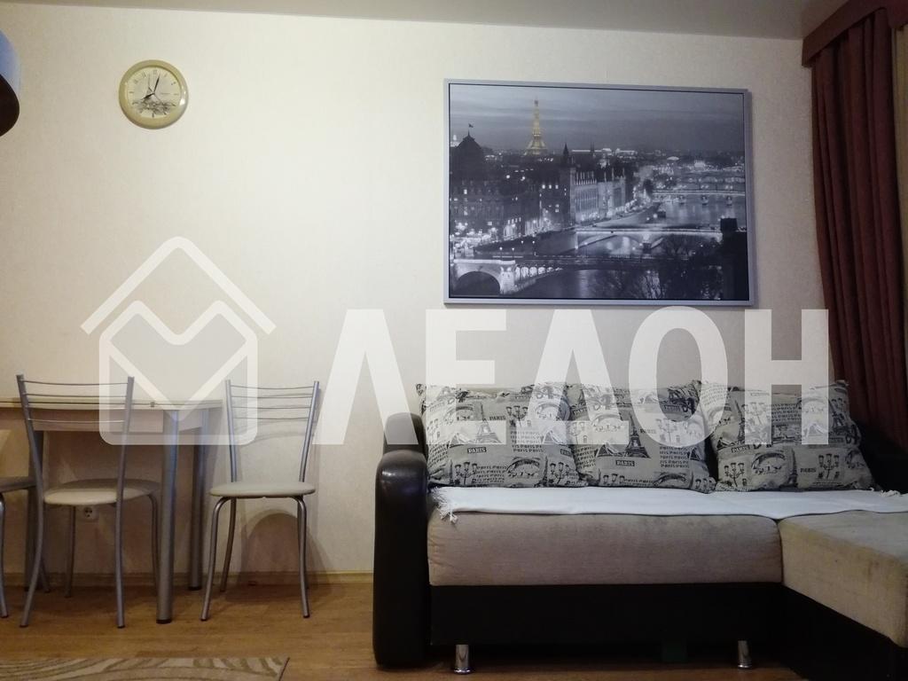 Продается трехкомнатная квартира за 3 450 000 рублей. Омск, Кировский, б-р. Архитекторов, 4.