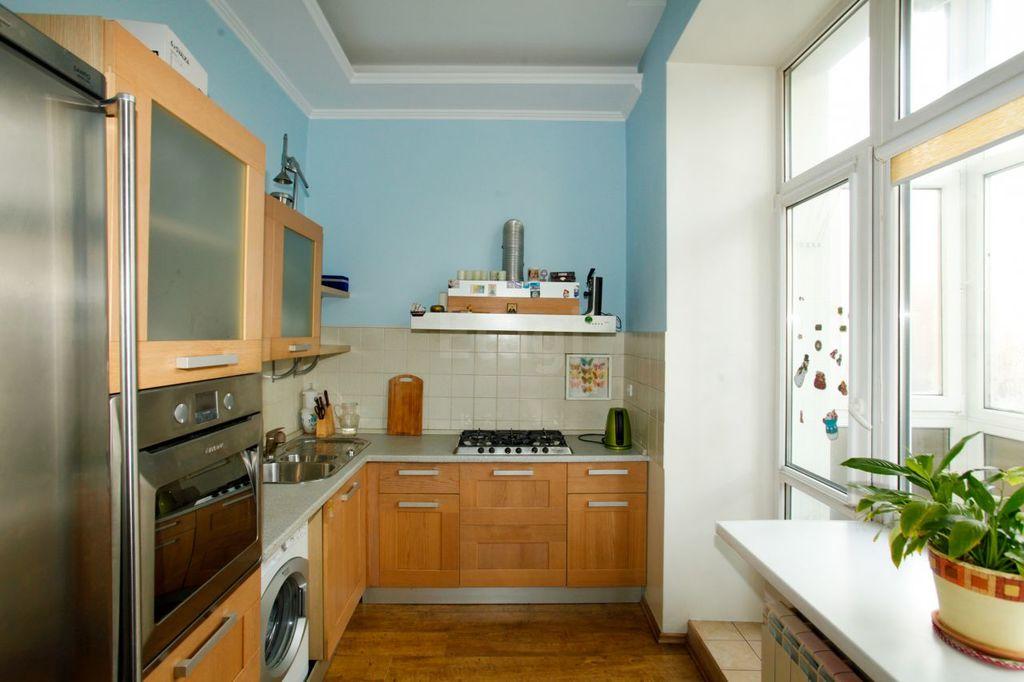 Продается трехкомнатная квартира за 4 640 000 рублей. Омск, Центральный, ул. Красный Путь, 10.