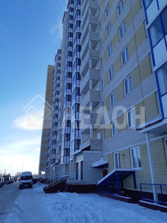 Продается трехкомнатная квартира за 3 208 000 рублей. Омск, Кировский, ул. 3-я Енисейская, 28.