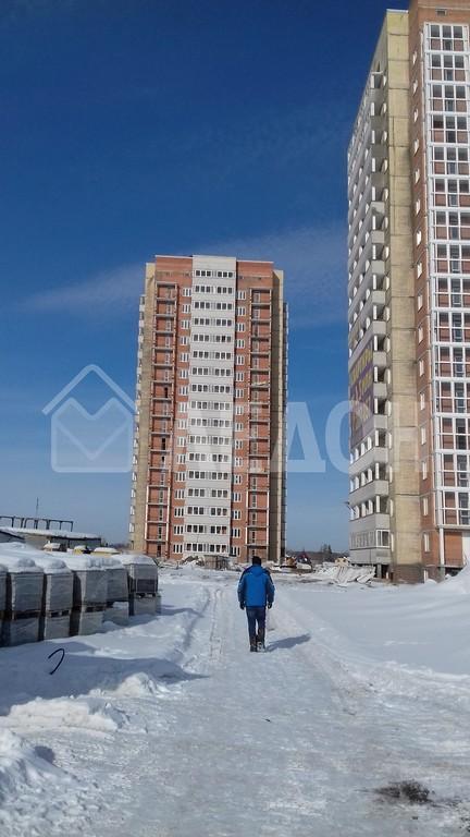 Продается однокомнатная квартира за 1 606 000 рублей. Омск, Кировский, б-р. Архитекторов, 1Б.