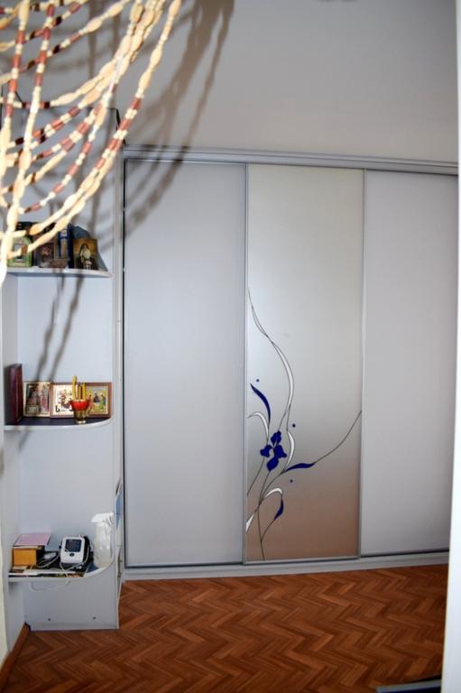 Продается однокомнатная квартира за 1 700 000 рублей. Омск, Центральный, ул. Победы, 1.