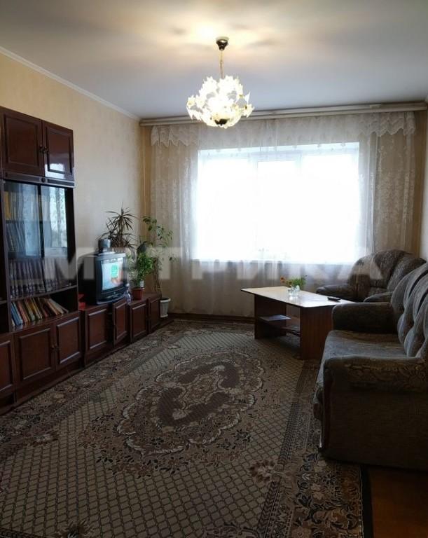 Продается трехкомнатная квартира за 2 599 000 рублей. Омск, Октябрьский, ул. 4-я Транспортная, 34.