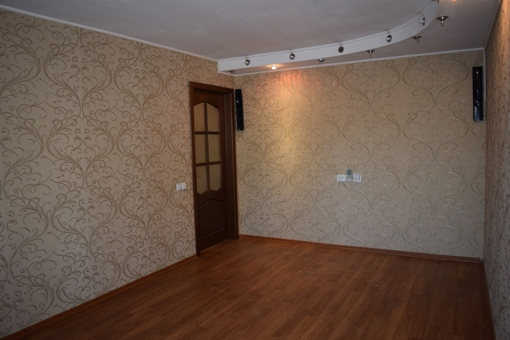 Продается двухкомнатная квартира за 1 550 000 рублей. Таганрог, ул. Калинина, 127.