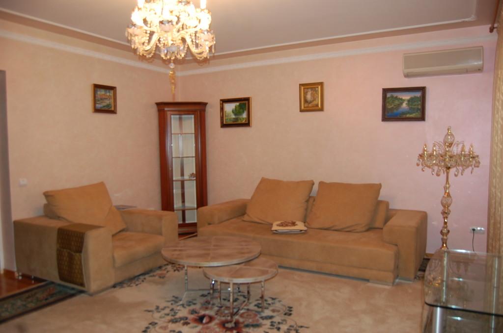 Продается трехкомнатная квартира за 6 250 000 рублей. г Омск, ул Почтовая, д 6.
