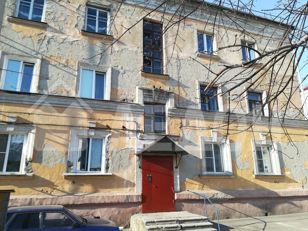 Продается трехкомнатная квартира за 1 880 000 рублей. г Омск, ул 20 лет РККА, д 9 к 4.