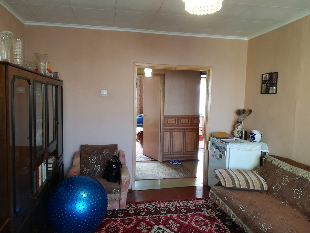 Продается трехкомнатная квартира за 2 450 000 рублей. г Кемерово, ул Сергея Тюленина, д 4.